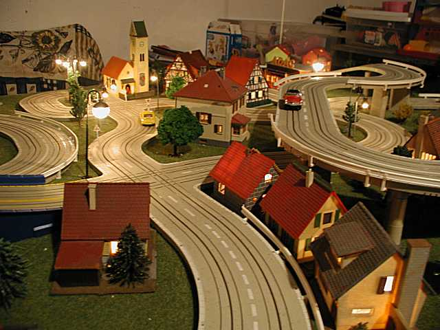 Michael's Lousy Home Page: Slot Car Racing